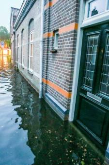 In huizen in Gemert staat 20 cm water na zware regenval, 'het stroomt gewoon over de dorpels heen'