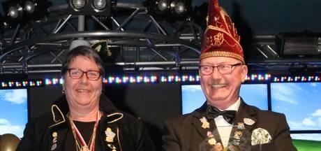 Jan en Marianne Kamping ereleden Veldmuuskes Overdinkel