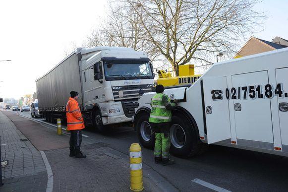 Rond 11 uur werd de vrachtwagen getakeld op de Mechelsesteenweg.
