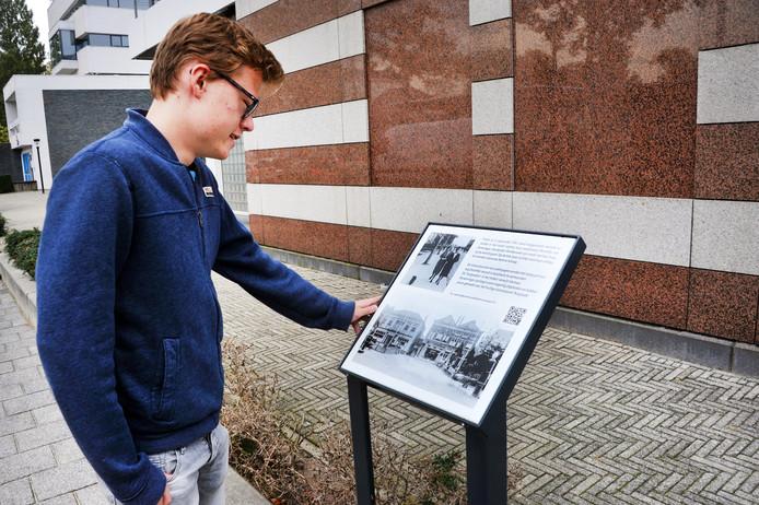 De plaquette staat op de plek waar Van Ameringen in 1943 een verloskundigenpraktijk had. De Dordtse werd afgevoerd en vergast in Auschwitz.