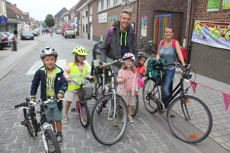 """Philippe Van Humbeeck haalt zijn kinderen van school af: """"Geen slechte maatregel, maar het is wennen voor iedereen."""""""
