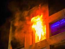 Appartement in Eindhoven verwoest na uitslaande brand, politie onderzoekt oorzaak