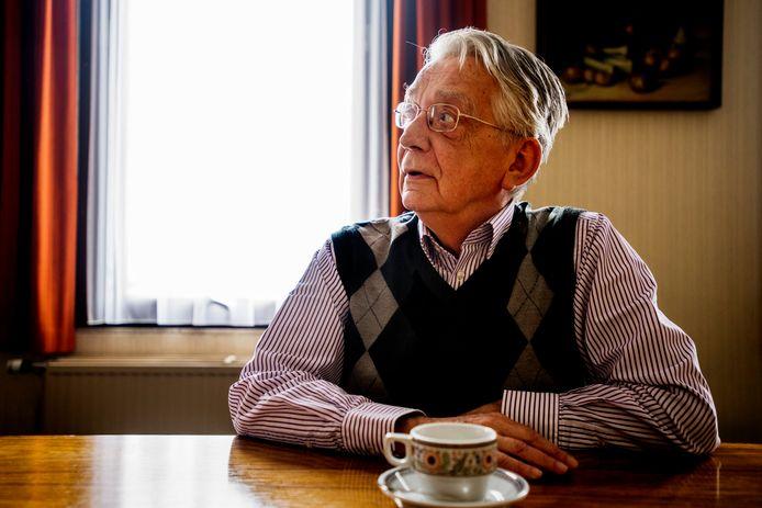 """Jan Koppens: """"Hier zaten we steeds, in deze spreekkamer, aan deze tafel. Ik heb telkens geprobeerd empathisch te luisteren naar de verhalen van slachtoffers."""""""