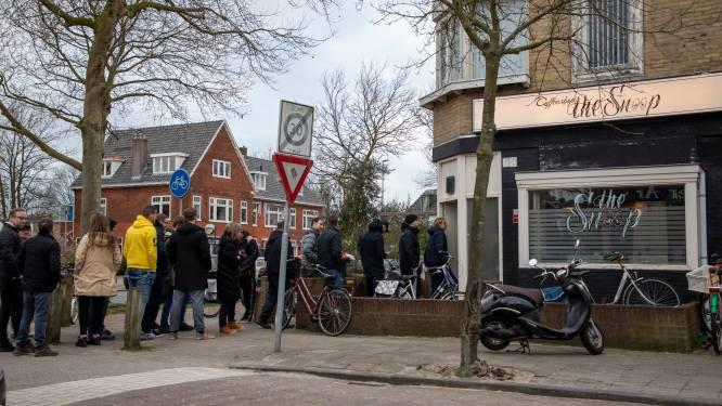 Nederlandse coffeeshops gaan op slot, en dus wordt er massaal wiet gehamsterd