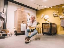 Julia (20) runt een babywinkel, maar heeft zelf totaal geen moederkriebels