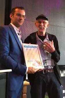Vrijwilliger Van Boekel krijgt Osse kermisprijs