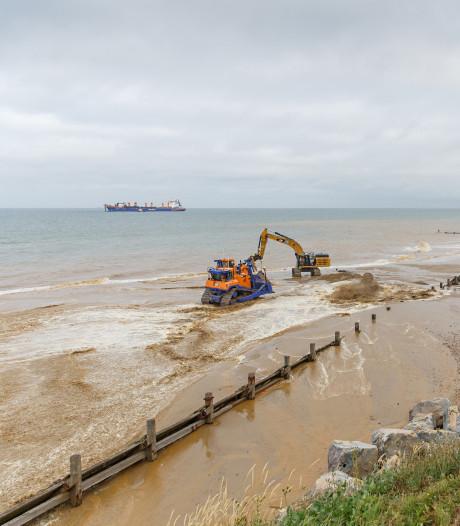 Broertje Nederlandse zandmotor gaat afbrokkelende Britse kust beschermen