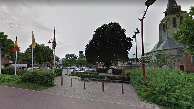 De kerstmarkt verhuist dit jaar naar de Fuérisonplaats.