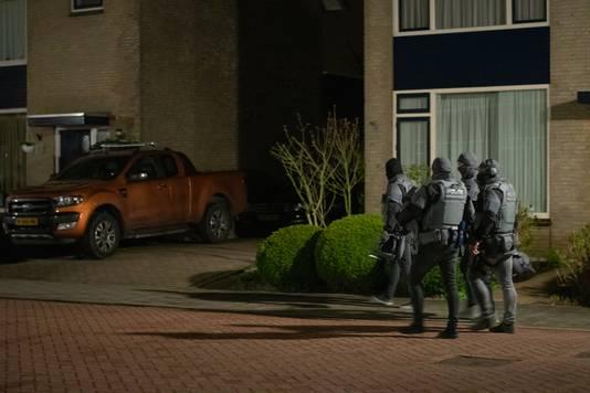 Het arrestatieteam in Zegveld.