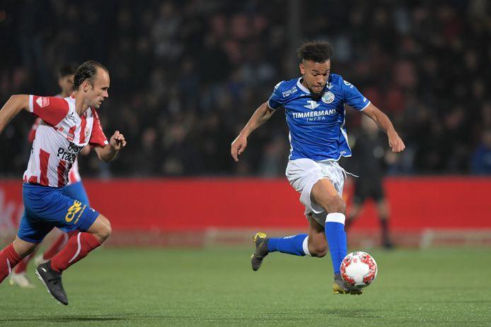 Bij FC Den Bosch en TOP Oss, die op 4 oktober vorig jaar voor het laatst tegen elkaar voetbalden, zijn de salarissen deze maand nog gewoon betaald.