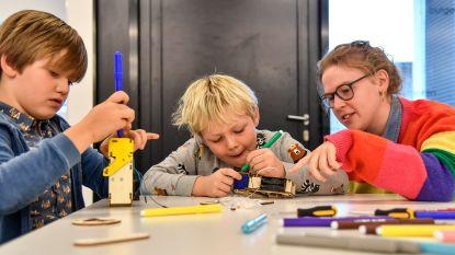 Een robot die centjes eet, dat maakten de kinderen vandaag samen met de jeugddienst van Dendermonde