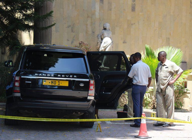 De terreinwagen van Dewji bij het Colosseum Hotel in Dar es Salaam. Beeld EPA