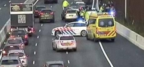 Flinke file op A1 na ongeluk A9 bij Amsterdam