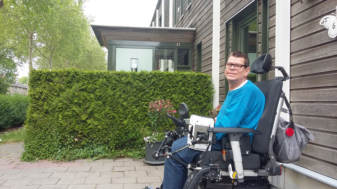 John van der Laan bij de locatie van Syndion aan de Cannenburg.