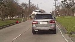 Aanhangwagen wordt wip voor onoplettende bestuurder