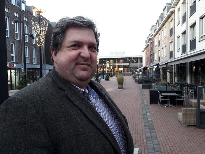 Jeroen Klerks 'finetunede' het Lindeplein, tussen Tiliander en het voormalige VVV-huisje.