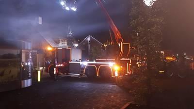 Blikseminslag wekt bewoners in Chaam: brandweer voorkomt grote schade