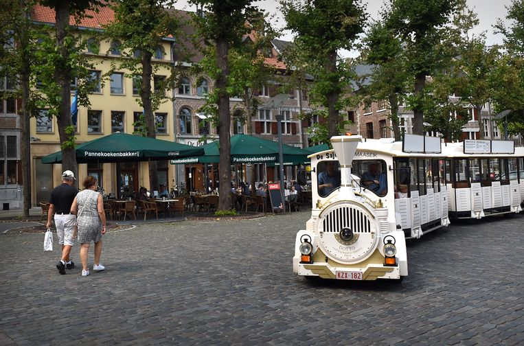 Het plein van het Belgische Maaseik, waar Verstappen opgroeide. Beeld Marcel van den Bergh / de Volkskrant