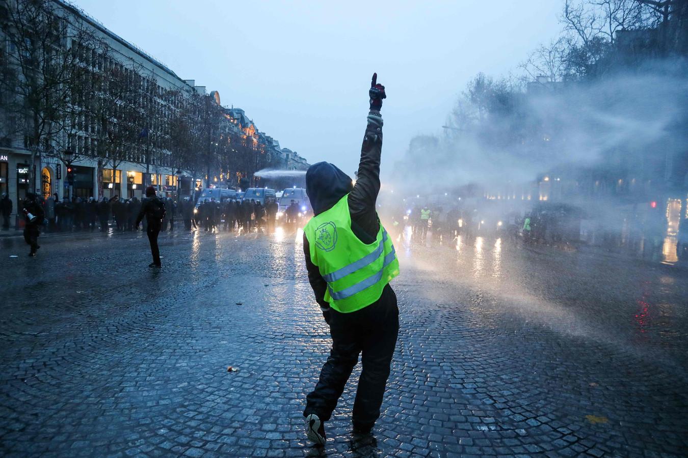 De Italiaanse begroting, de brexit en protesten van de 'gele hesjes' in Frankrijk beschouwt het planbureau als risico's voor de economie.