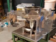 Machine die '5000 xtc-pillen per uur draait' gevonden bij inval in Waalwijks bedrijfspand