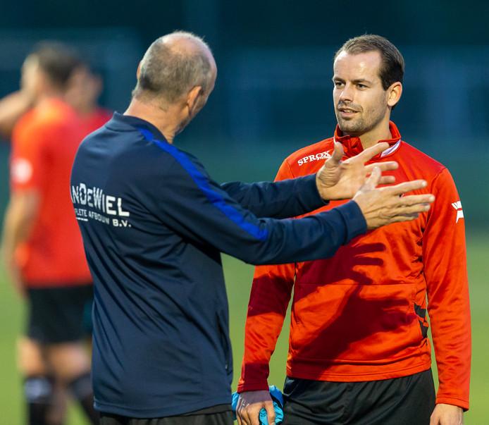 ROSMALEN, 04-09-2018, Voetbalcomplex De Groote Wielen, amateurvoetbal, seizoen 2018 / 2019, OJC speler Guus Habraken(r) tijdens de training OJC Rosmalen