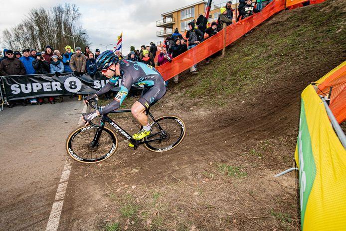 Wietse Bosmans trekt aan de alarmbel over de nieuwe regelgeving van de UCI voor de Wereldbeker.