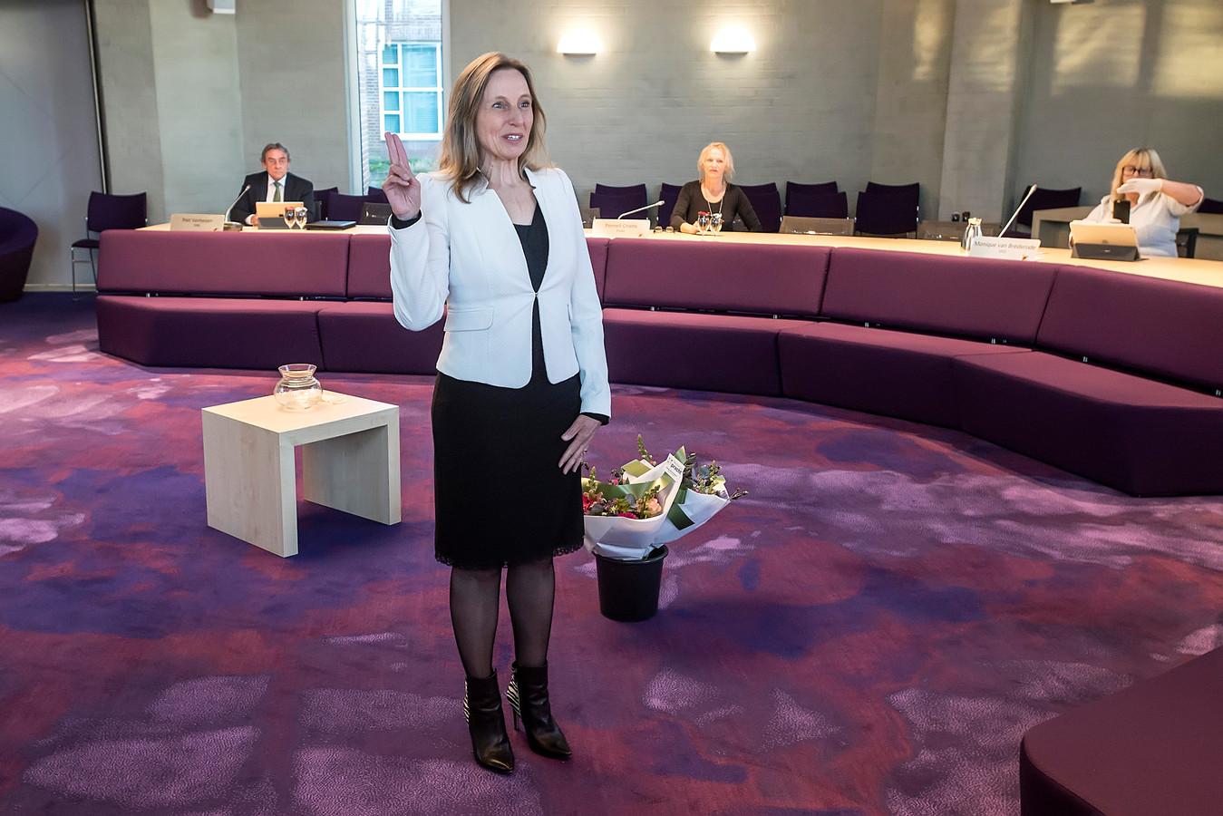 Installatie van de nieuwe Goirlese wethouder Liselotte Franssen.