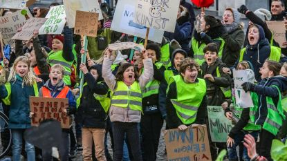 """VIDEO: 1.000 betoger(tje)s voor klimaat in Kortrijk: «Dieren sterven uit. Straks zijn wij aan de beurt"""""""