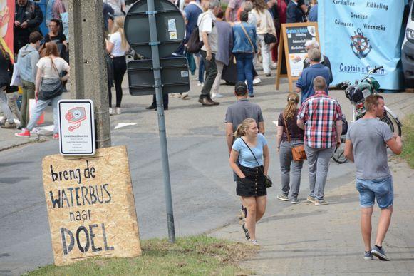 Tijdens de voorbije Scheldewijdingsfeesten in Doel doken de eerste protestborden al op.