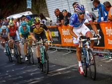 Botsing tegen paaltje maakt einde aan Giro voor Kangert