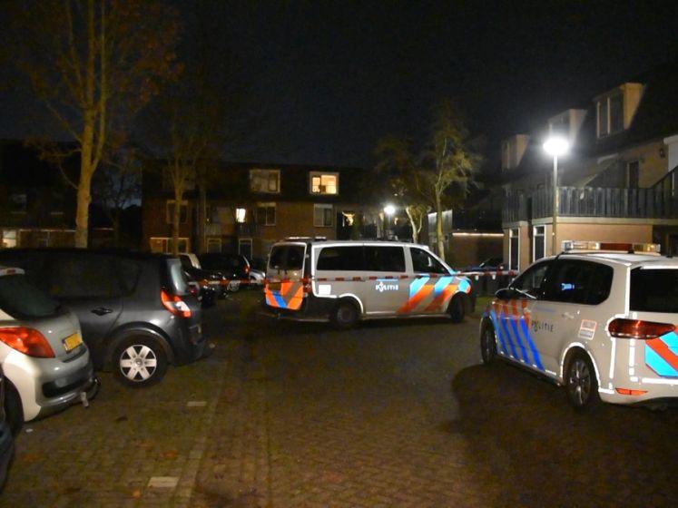 Straat afgezet en volop politie aanwezig na doodrijden Wijchenaar