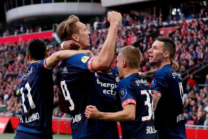 PSV wil de laatste vier competitieduels winnen om nog een kans te maken op de landstitel.