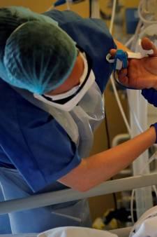 L'état d'urgence sanitaire prorogé jusqu'au 16 février en France, un nouveau record de 45.000 nouveaux cas en 24 heures