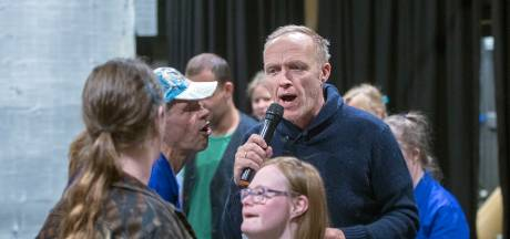 Stef Bos geeft gratis concert in Cultura