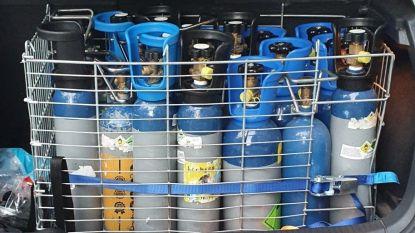 Bestuurder met koffer vol lachgas gepakt na gevaarlijk rijgedrag
