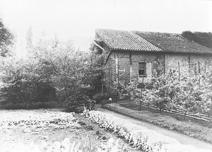 Het pesthuisje werd opgericht in 1669 en in 1991 afgebroken toen de kloostertuin verkocht werd aan de stad
