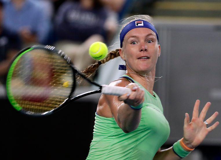 Kiki Bertens in actie tijdens de wedstrijd tegen Zarina Diyas in Melbourne. Beeld EPA
