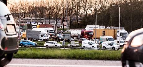 'Wacht met ritsen!' Invoeg-advies van app houdt verkeer op gang