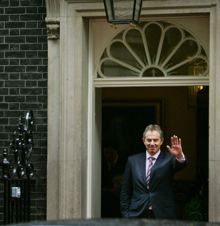Tony Blair voor Downing Street 10 Beeld ANP