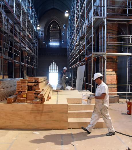 Lang verwaarloosde Cuyperskerk in Sas van Gent krijgt eindelijk broodnodig onderhoud