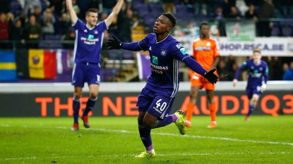 """Transfer Talk. Interesse uit Premier League en Bundesliga voor Amuzu - Transfertarget AA Gent """"vertrekt als dief in de nacht"""" in Tsjechië"""