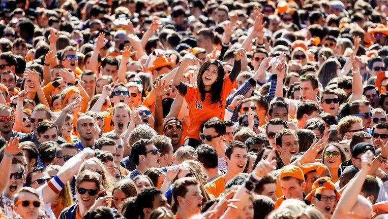 Trek je oranje shirt maar vast uit de kast Beeld anp