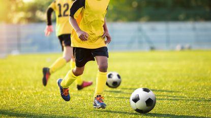 """'Nieuwe' regel verplicht jeugdspelers naakt te douchen bij Berchem Sport: """"Nieuw? Die regel bestaat al 12 jaar"""""""