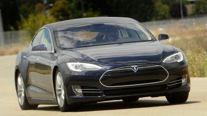 Tesla roept 123.000 auto's terug