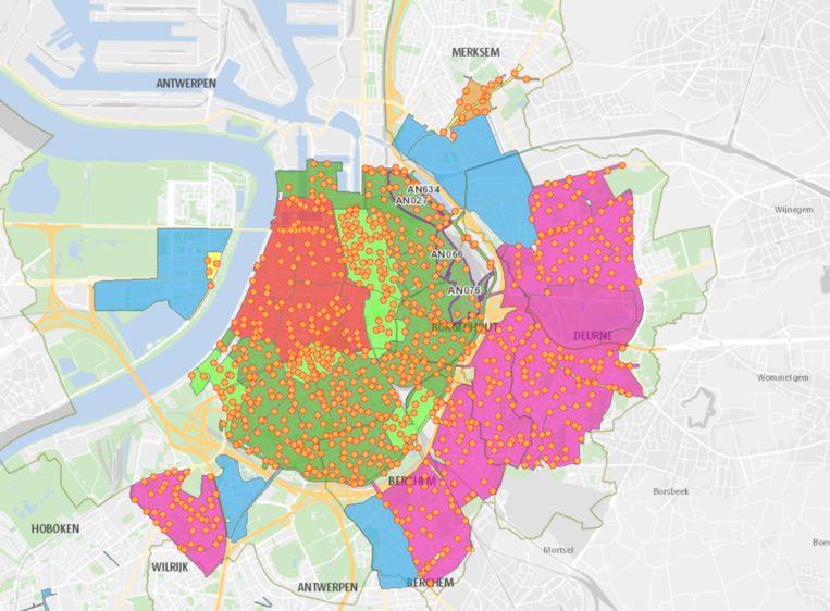 De verschillende parkeerzones in Antwerpen. De oranje bolletjes geven aan waar er betaalautomaten staan.