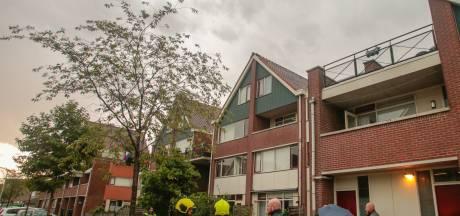 Bliksem slaat in woningen in Papendrecht: brandweer rukt uit