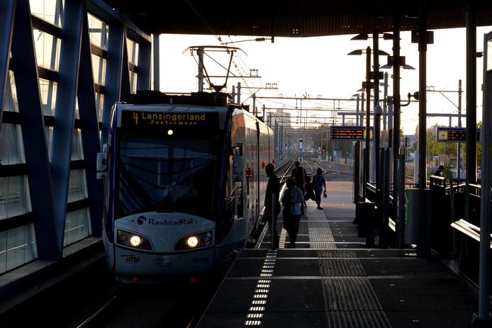 De metrohalte Leidschenveen, waar Adam mishandeld werd.