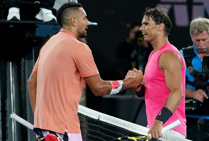 epa08169857 Nick Kyrgios (L) of Australia shakes hands with Rafael Nadal of Spain following their fourth round match at the Australian Open tennis tournament at Melbourne Park in Melbourne, Australia, 27 January 2020.  EPA/SCOTT BARBOUR AUSTRALIA AND NEW ZEALAND OUT