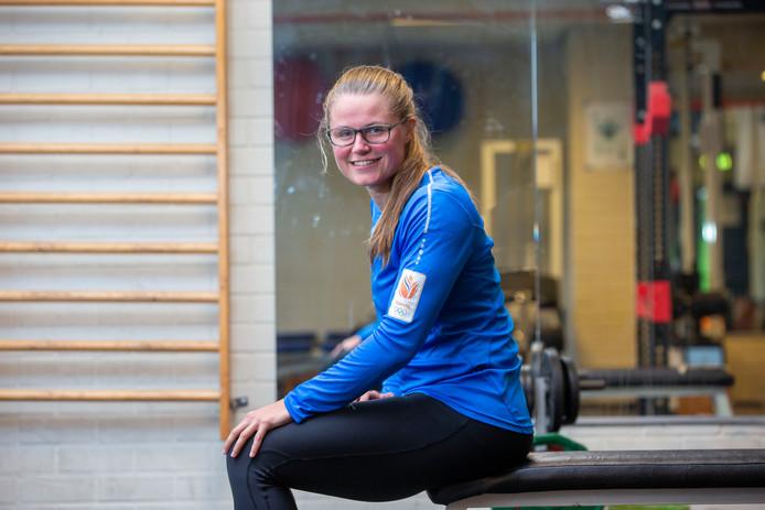 Kimberley Bos in het krachthonk van atletiekvereniging Climax in Ede.