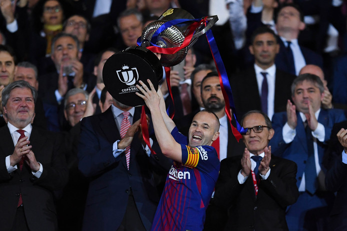 Andrés Iniesta met de Copa del Rey.